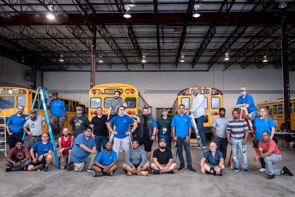 BusPatrol lance une académie pour embaucher et former des centaines d'installateurs de technologies de sécurité